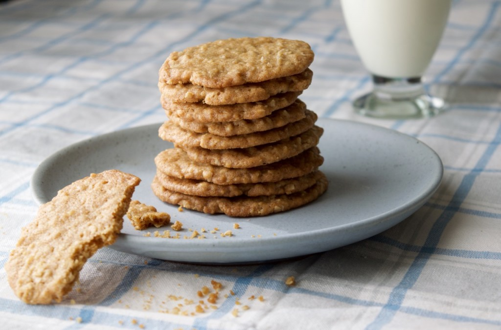 Thin Crispy Oatmeal Cookies | Kitchen on Fourth