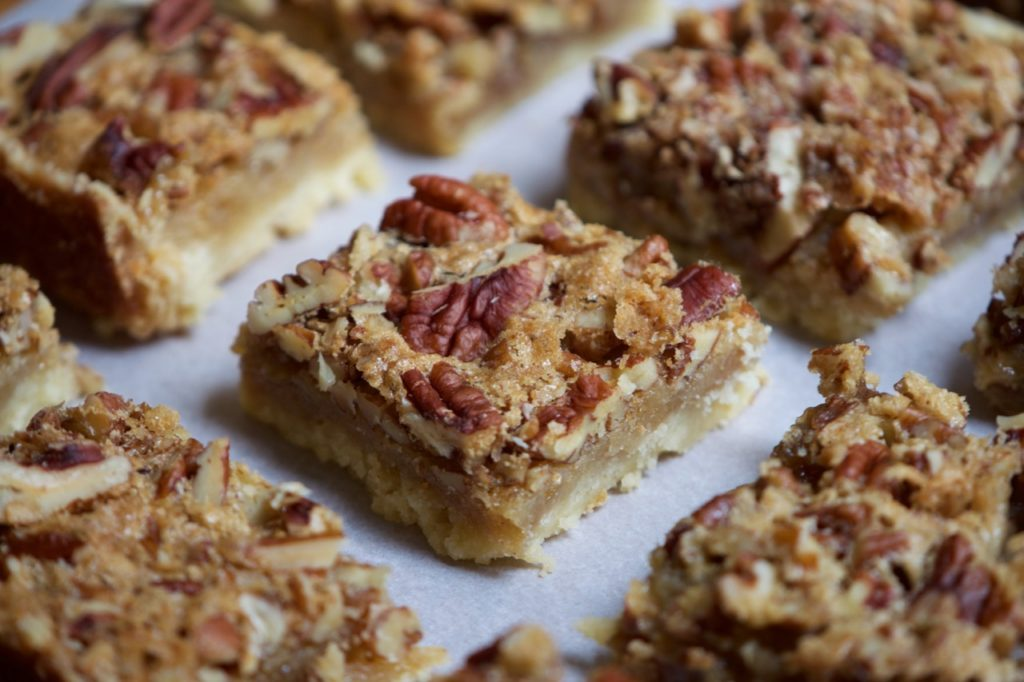 maple pecan shortbread bars